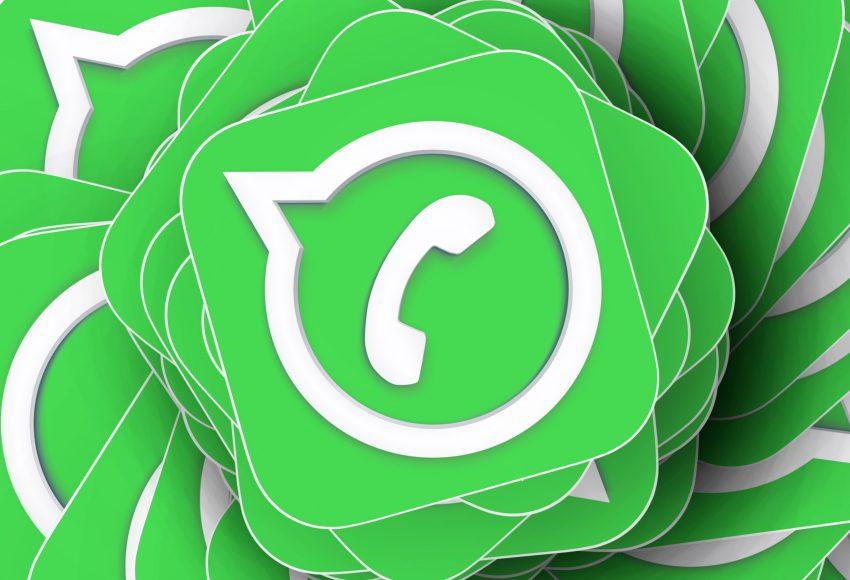 Boek een taxi via WhatsApp scaled