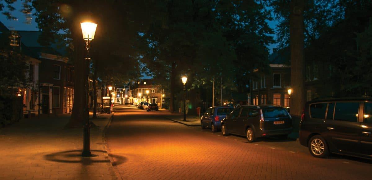 Lege straten tijdens de avondklok scaled