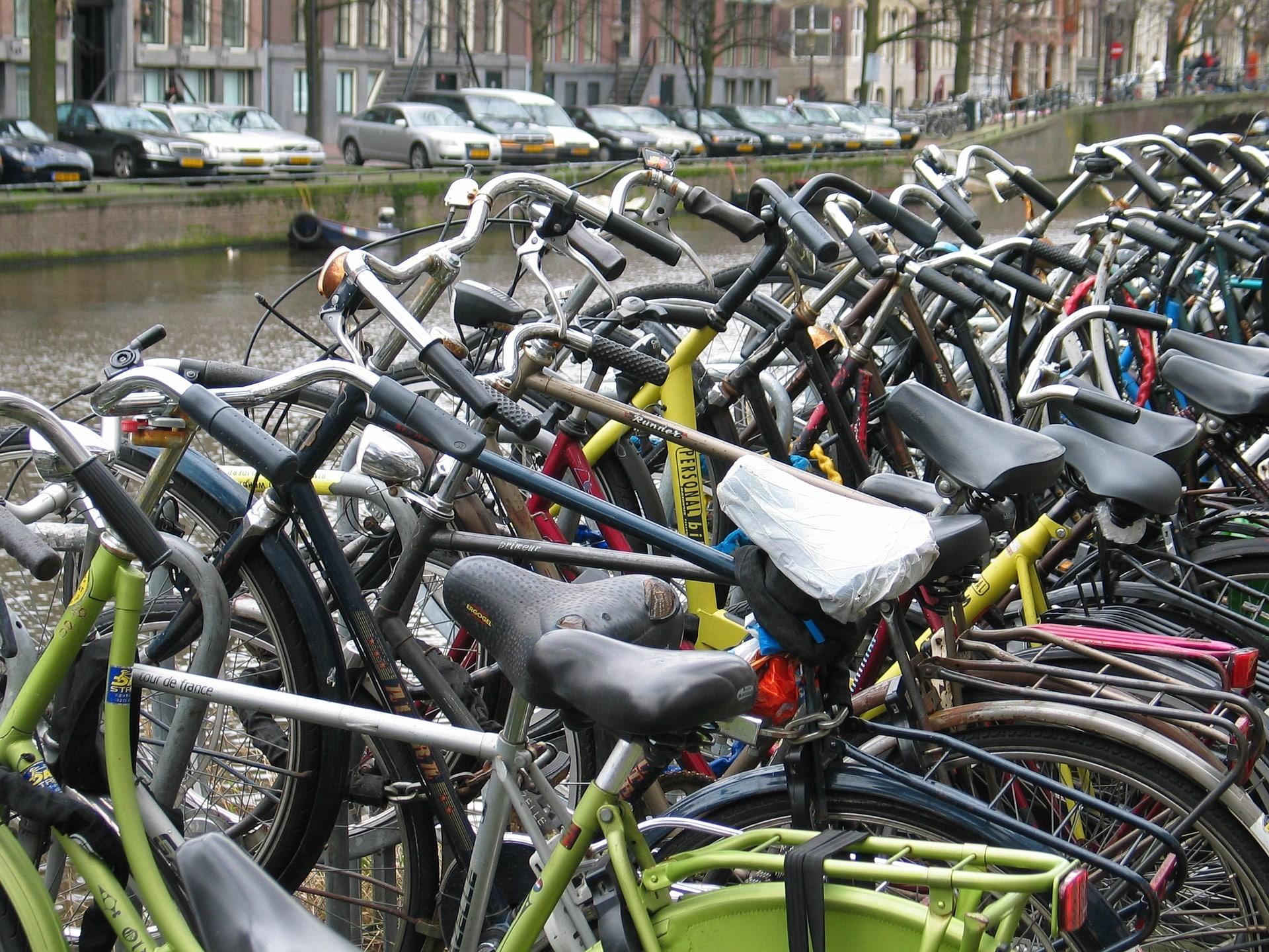 Je fiets parkeren in Amsterdam