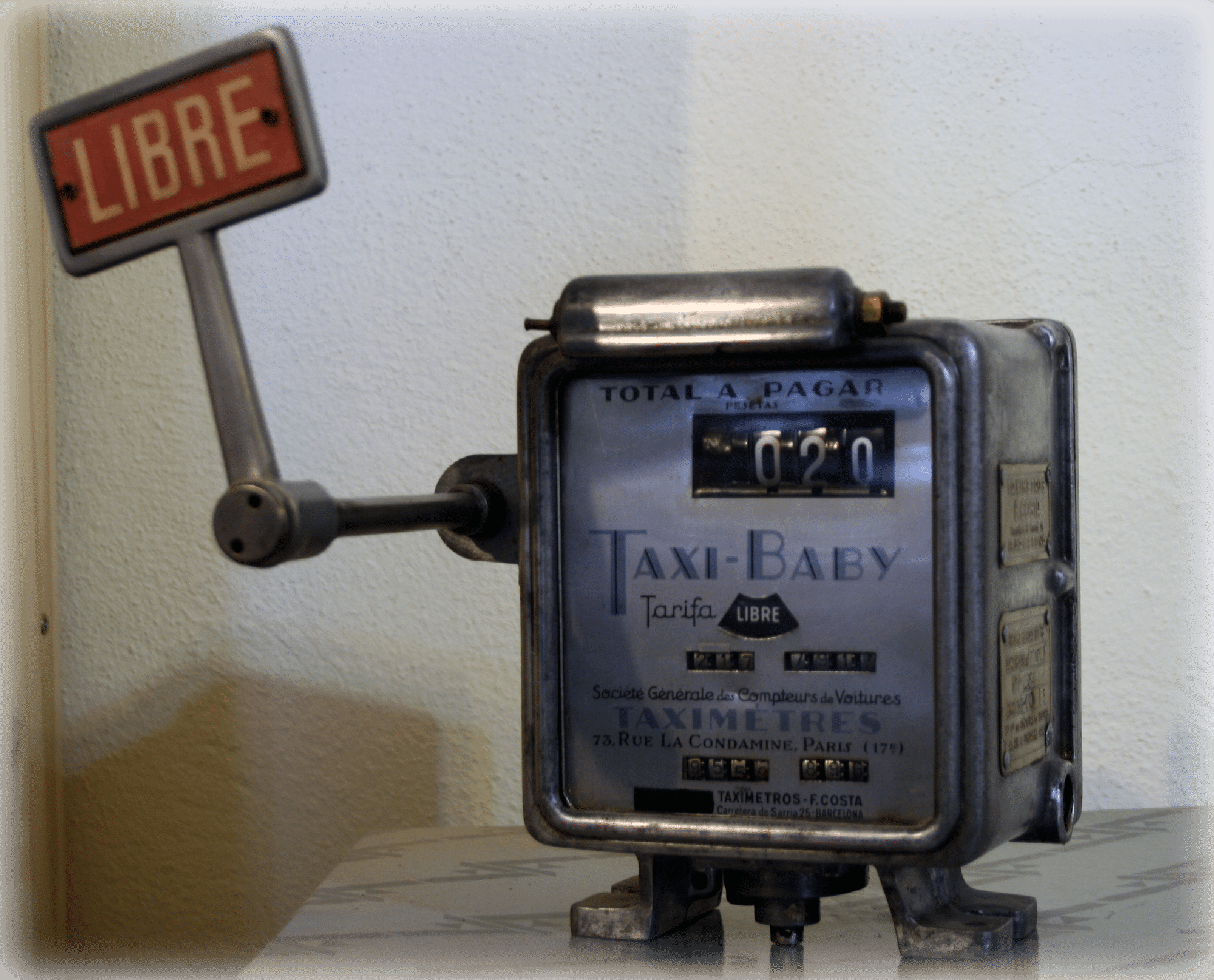An old mechanical taximeter